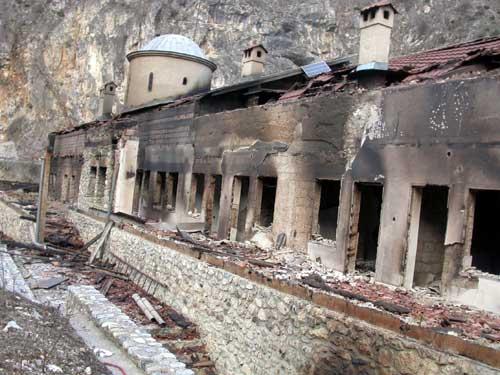 ЮНЕСКО до конца мая подготовит сообщение о степени повреждения православных церквей и монастырей в Косово...